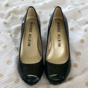 Lightly worn Anne Klein heel
